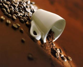 Xuất khẩu cà phê nhân giảm dần do chế biến cà phê rang xay và hòa tan tăng