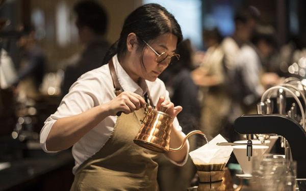 Luckin Coffee - chuỗi cà phê đang đe dọa Starbucks ở thị trường Trung Quốc.